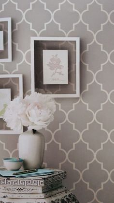 Grey contemporary geometric wallpaper Simplicity Two Wallpaper by Brian Yates Jane Clayton Living Room Decor, Bedroom Decor, Wall Decor, Living Rooms, Contemporary Geometric Wallpaper, Trendy Wallpaper, Classy Wallpaper, Wallpaper Ideas, Of Wallpaper