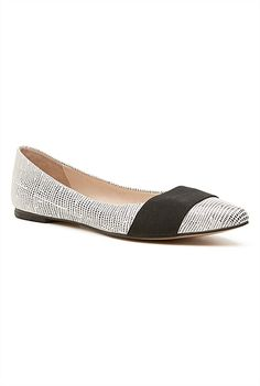 I tried the Karen Ballet flat on in Melbourne Central this weekend. Work Wardrobe, Fashion Labels, Ballet Flats, Kids Outfits, Melbourne Central, Womens Fashion, Christmas, How To Wear, Stitch