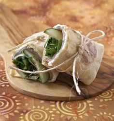 Wraps de truite fumée au concombre et fromage frais - Recettes de cuisine Ôdélices