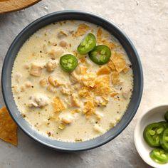 Creamy White Chili Crockpot Recipes, Chicken Recipes, Cooking Recipes, Cooking Chili, Cooking Games, Rotisserie Chicken Chili Recipe, Chicken Soup, Chili Food, Chili Cook Off