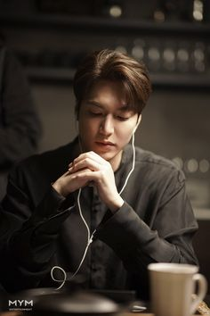 """ So gorgeous. Korean Celebrities, Korean Actors, Lee Min Ho Wallpaper Iphone, Lee Min Ho Dramas, Lee Minh Ho, Lee Min Ho Photos, Jackson Movie, New Actors, Kim Go Eun"