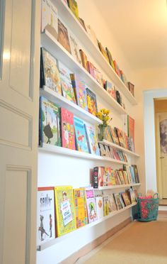 At Ritalechat: library for children with shelves ribba Ikea Baby Bedroom, Kids Bedroom, Ikea Pinterest, Game Room Kids, Ikea Shelves, Toy Rooms, Home Organization, Girl Room, New Homes