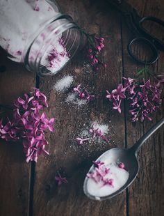 Lilac Sugar - Layer flowers and sugar in a jar. Let stand dark and cool for a few days, shake every now and then. Then your sugar is ready to use. Perfect for baking or in a cup of tea.