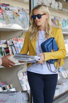 Reese Witherspoon Photos: Reese Witherspoon Goes Shopping in Brentwood