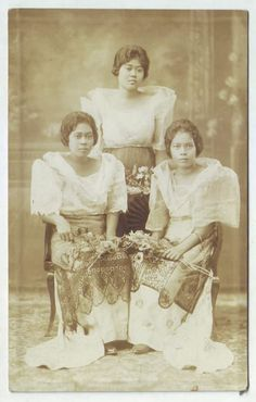 vintage everyday: 24 Charming Photo Postcards of Philippine Girls in Traditional Dresses from between Philippines Fashion, Philippines Culture, Manila Philippines, Traditional Fashion, Traditional Dresses, Filipino Fashion, Filipina Girls, Creepy Kids, Filipino Culture