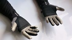 Fashion Tech We Like – Battery Free, Self Heating Gloves and Insoles | Use the body's energy to heat hands