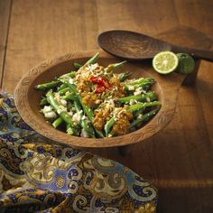 This Balinese green bean salad is perfect for your weeknight dinner. Enjoy this with a steaming hot bowl of rice or pair it with a warm coconut milk soup.