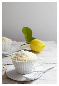 tiramisù al limoncello e cioccolato bianco Lemon Tiramisu, Sicilian Recipes, Limoncello, Easter Recipes, Chocolate Tiramisu, Food Porn, Pudding, White Chocolate, Biscotti