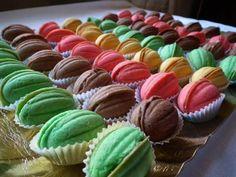 427137_290775960994634_249993068406257_700948_2026031173_n (1) Walnut Cookies, Mini Cupcakes, Macarons, Italian Recipes, A Food, Baking, Sweet, Type 3, Eggs
