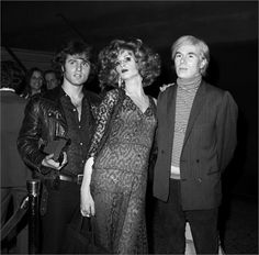 Midnight Cowboy premiere, 1969 Andy Warhol, Candy Darling and Gerard Malanga, New York ©Corbis Andy Warhol e Candy Darling, 1969 Everybody's Darling, Candy Darling, Midnight Cowboy, Chelsea Girls, Gender Bender, New York, Rupaul, Andy Warhol, Famous Artists