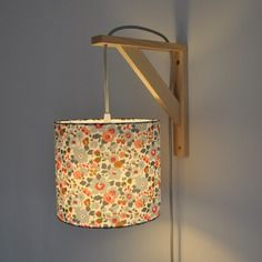 The bracket lamp can be used wall, lamp or reading lamp in your living room The bracket lamp is composed: -of a liberty betsy porcelain Lampshade -a cord about m (several colors to choose from) Luminaria Diy, Lamp Design, Deco Design, Lampshades, Home Interior, Decoration, Light Fixtures, Diy Home Decor, Bedroom Decor