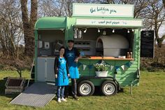 Mobile vintage food truck serving Wood Fired Pizza specialising in weddings, festivals and all shindigs of the celebratory kind! Catering Trailer, Food Trailer, Coffee Carts, Coffee Truck, Horse Box Conversion, Pizza Vans, Pizza Food Truck, Custom Food Trucks, Mobile Coffee Shop