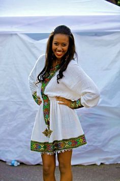 african fashion trends looks trendy . Funky Fashion, Black Girl Fashion, Colorful Fashion, Ethiopian Beauty, Ethiopian Dress, African Fashion Designers, African Print Fashion, African Prints, Ethiopian Traditional Dress