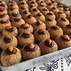 Image may contain: dessert and food Lebanese Recipes, Turkish Recipes, Xmas Cookies, Gingerbread Cookies, Biscuits, Turkish Delight, Healthy Breakfast Recipes, Iftar, Cookie Recipes
