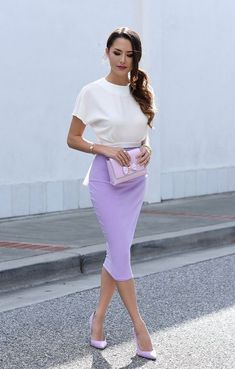 Streetstyle in Lavendel (Farbpass Nr. Kerstin Tomancok / Farbe, Typ, Stil - she got the look/style - Komplette Outfits, Skirt Outfits, Dress Skirt, Summer Outfits, Fashion Outfits, Fashion Trends, Fashion Bloggers, Midi Skirt, Fall Outfits