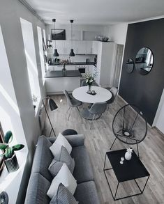32 The Best Small Apartment Living Room Design And Decor Ideas - Living in a studio apartment may limit you physically, but it doesn't have to cramp your imagination. What you can or cannot do with your living room . Small Apartment Living, Cheap Apartment, Small Apartment Decorating, Small Appartment, Decorating Kitchen, Appartement Design, House Rooms, Home Design, Design Ideas