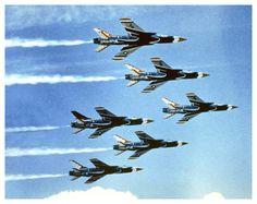 Thunderbirds F-105 Thunderchief- Google-søgning