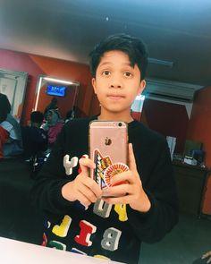 "Fateh Halilintar di Instagram ""birthday boy ⚡️ #happybirthdayfateh #happybirthdayfatehhalilintar"" Nike Wallpaper, My Boo, Doraemon, Boy Birthday, Album, Guys, Instagram, Surabaya, Muhammad"