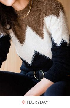 51 Knitwear Fashion To Copy Right Now - Global Outfit Experts Record of Knitting Wool spinning, weaving and sewing careers such as for example BC. Even though decades, alth. Knitwear Fashion, Knit Fashion, Sweater Fashion, Chic Outfits, Fashion Outfits, Fall Outfits, Pullover Mode, Latest Fashion Trends, Trending Fashion