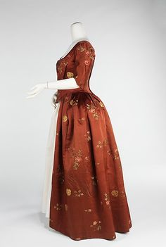 Robe à l'Anglaise (image 2) | British | 1740-60 | silk | Brooklyn Museum Costume Collection at The Metropolitan Museum of Art | Accession Number: 2009.300.926