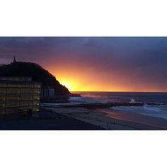 Sunset Playa de La Zurriola, San Sebastián - Donostia www.pensiongrosen.com