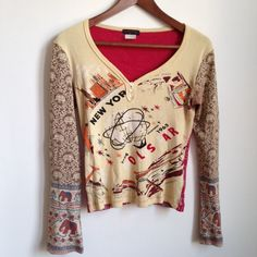 Custo Barcelona World's Fair l/s v-neck Top Different front & back & in excellent condition. Custo Barcelona Tops