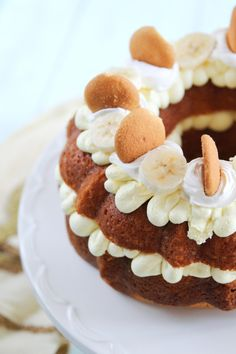 Banana Pudding Bundt Cake takes only 30 minutes to prepare. A delicious cake is on its way!