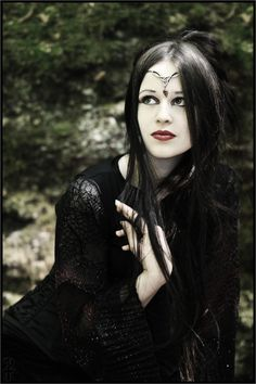 Gothic look with headpiece