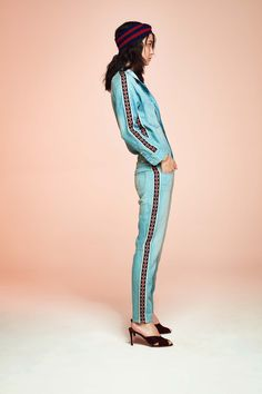 Mother Resort 2019 Fashion Show Collection: See the complete Mother Resort 2019 collection. Look 45 Urban Fashion, High Fashion, Fashion Looks, Fashion Women, Denim Fashion, Fashion Pants, Fashion Outfits, Casual Chic, Cheap Boutique Clothing