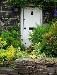 Whimsical Raindrop Cottage, luthienthye: Pitlochry - Scotland - UK(via Speak...