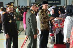 Panglima TNI : Wajah Mereka Berduka tetapi Dihati Ada Kebanggaan:http://www.intriktimes.com/http:/www.intriktimes.com/topik/intriktimes/panglima-tni-wajah-mereka-berduka-tetapi-dihati-ada-kebanggaan/
