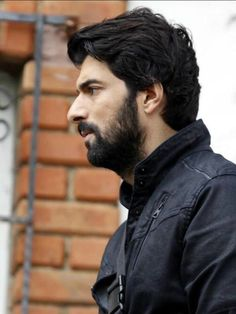 engin akyürek, omer demir, and kara para aşk kép Turkish Actors, Best Actor, Looking Gorgeous, Jon Snow, Find Image, Actors & Actresses, Beautiful Men, We Heart It, Cool Photos