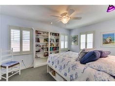 Plenty Of Storage Space In This Pacific Beach Homeu0027s Bedroom.