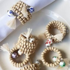 Set servilleteros Diy And Crafts, Crafts For Kids, Arts And Crafts, Table Diy, How To Clean Headlights, Owl Crochet Patterns, Ramadan Gifts, Deco Table, Wooden Beads