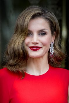 Queen Letizia of Spain leaves their hotel to attend the private birthday party of King Willem-Alexander in the Royal Stables on April 2017 in The Hague, Netherlands. Spanish King, Spanish Royal Family, Princess Letizia, Queen Letizia, La Haye, Spanish Royalty, Estilo Real, Royal Jewelry, Jewellery