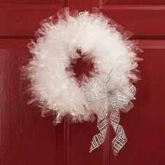 Oh wow this reminds me of the wreath I made in the 5th grade from sandwich bags!