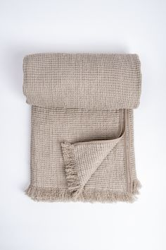 Heavy waffle linen blanket with fringe - Linen bed throw - 100% stone  washed linen. Sängkläder I LinneVåfflor 63c89d07d0e9d