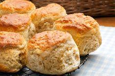 Big Easy Scones Baking Recipes, Cookie Recipes, Scones And Jam, British Scones, Breakfast Scones, Breakfast Recipes, Plain Cake, Cream Tea, Baking Flour