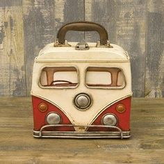 Old School VW lunch box - I would totally bring my lunch in this!