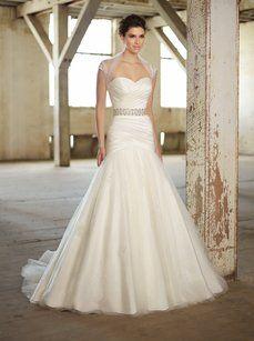 Essense Of Australia D1360 Wedding Dress