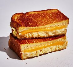 Wylie Dufresne created this egg sandwich-grilled cheese hybrid at Du's Donuts in NYC. Mixing in cream cheese makes the eggs extra creamy. Scrambled Egg Sandwich Recipes, Scrambled Eggs With Cheese, Creamy Scrambled Eggs, Best Breakfast Sandwich, Breakfast Recipes, Brunch Recipes, Mexican Breakfast, Breakfast Pizza, Breakfast Bowls