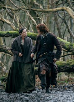claire and jamie-2x13