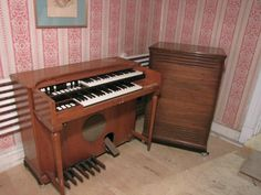 Very cool Baby B3 #Hammond  We have one posted at #Yakaz, check it out!  #music #organ