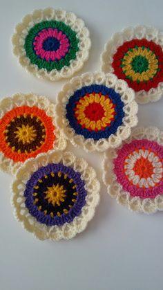 For Beginners Circles Crochet Doily Rug, Crochet Placemats, Crochet Mandala Pattern, Crochet Circles, Crochet Motifs, Crochet Flower Patterns, Crochet Squares, Crochet Gifts, Crochet Designs