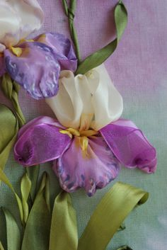 Silk Ribbon Embroidery, Crewel Embroidery, Embroidered Silk, Embroidery Bracelets, Ribbon Art, Diy Ribbon, Ribbon Crafts, Cloth Flowers, Fabric Flowers