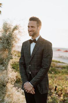 A chic elopement in San Jose del Cabo San Jose Del Cabo, Cape Dress, Groom And Groomsmen, Dapper, Wedding Styles, Wedding Planner, Wedding Venues, Chic, Stylish