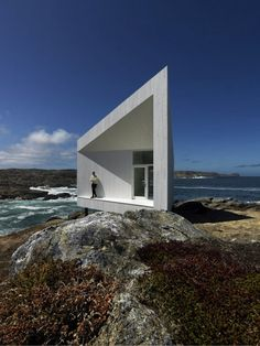 minimalist houses- from the most unusual  modern houses ever built