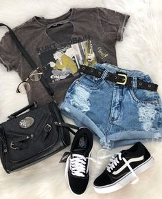 catchy cut off short outfits to wear this summer 8 Cute Summer Outfits, Cute Casual Outfits, Short Outfits, Stylish Outfits, Spring Outfits, Teen Fashion Outfits, Mode Outfits, Outfits For Teens, Girl Outfits