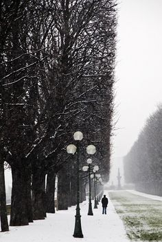 by Christophe Jacrot. I want to visit this street in winter Monochrome Photography, Street Photography, Art Photography, Pictures Of You, Colorful Pictures, Pretty Pictures, Christophe Jacrot, Winter Time, Winter Snow