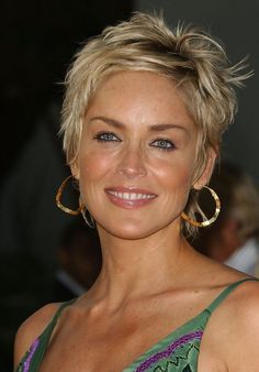 Sharon Stone Hairstyles, Short Hairstyles For Women, Hairstyles Haircuts, Cool Hairstyles, Short Haircuts, Wedding Hairstyles, Haircut Short, Popular Haircuts, Hairstyle Hacks